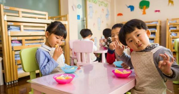 幼稚园老师「未婚生子」,遭地方妈妈轰怎么教小孩? 网友评价一面倒:这才是真心为小孩好!